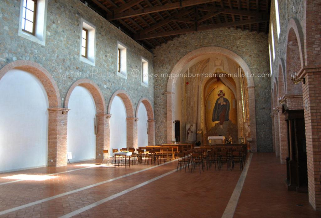 interno chiesa 1