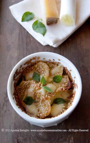 tortino di patate, porri, valbiandino e basilico al limone in cocotte front