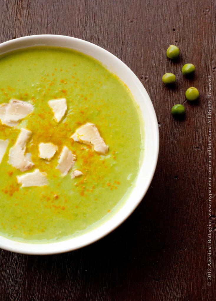 zuppa di piselli e stracchino