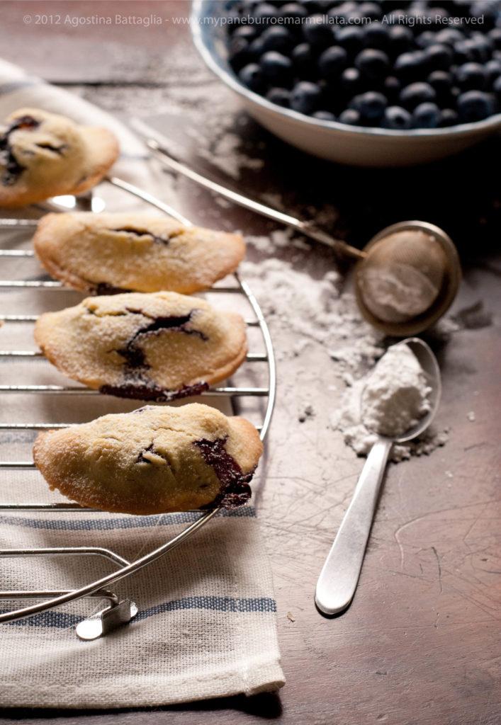 biscotti ripieni ricotta mirtilli