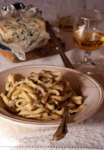 Spaghetti alla Chitarra (fatti a mano) con Funghi e Lou Blau