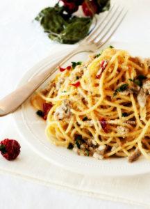 Un Natale Calabrese: Spaghetti con Alici e Mollica