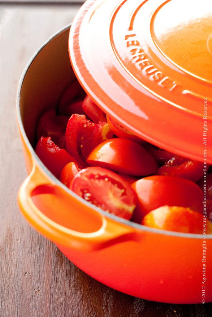 pomodori e pentola