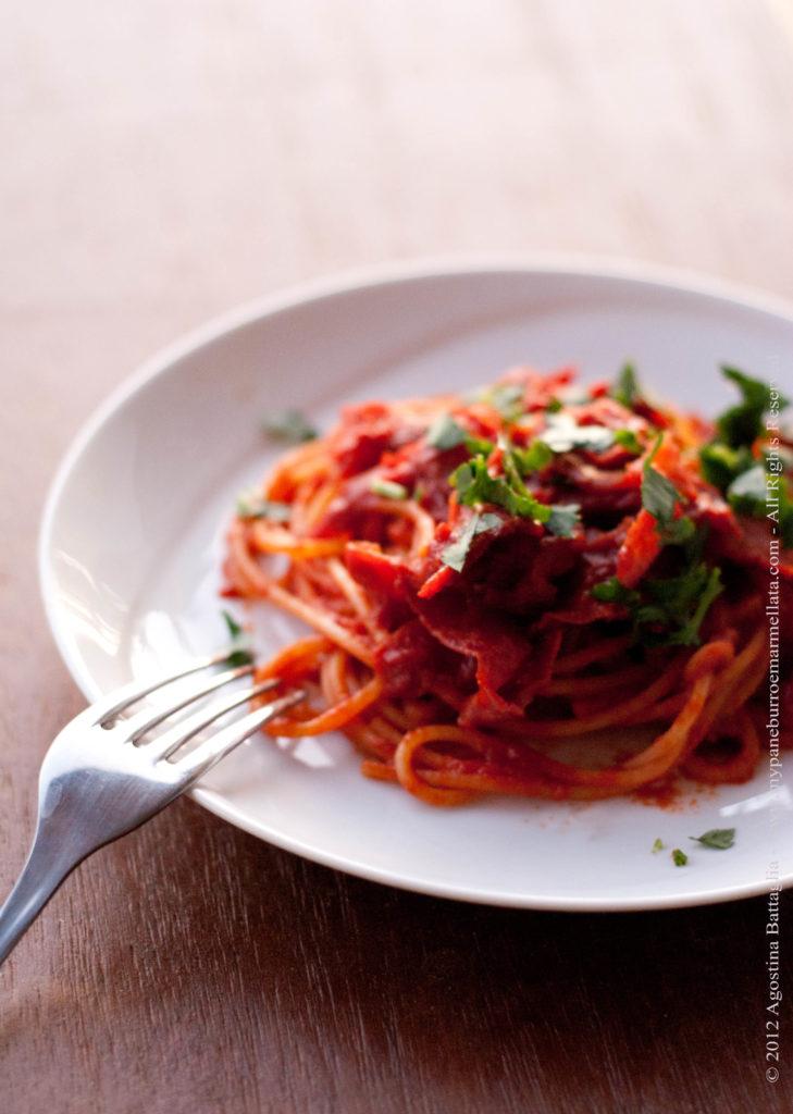 spaghetti aglio olio e speck