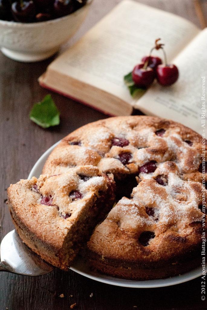 torta ciliegie e mandorle