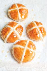 Hot cross buns, i panini di Pasqua senza lattosio