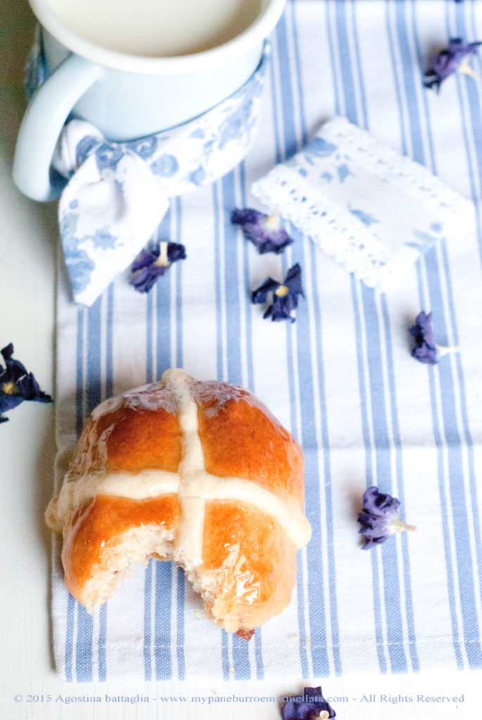 DSC_1180 hot cross buns-3