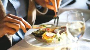 Dai ristoranti giusti ai consigli su come comportarsi: il tuo prossimo Business Lunch di successo