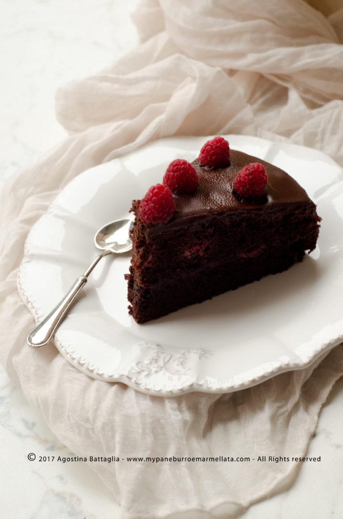 torta sacher ai lamponi senza lattosio